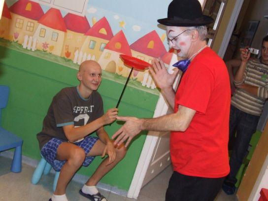 Warsztaty pantomimiczne, czyli terapia poprzez śmiech