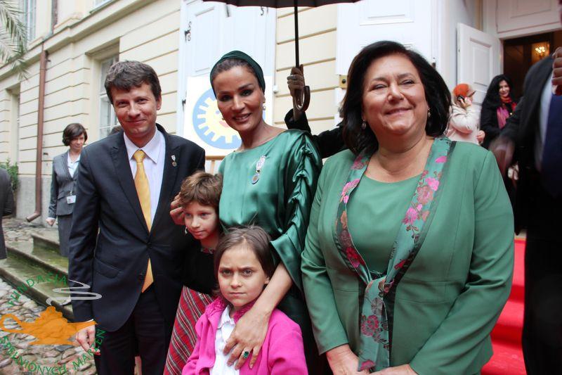Spotkanie naszej podopiecznej Oli  z małżonką Emira Kataru