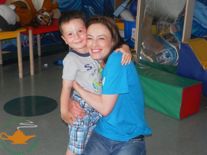 Magda Różczka na warsztatach arteterapii  w Kielcach
