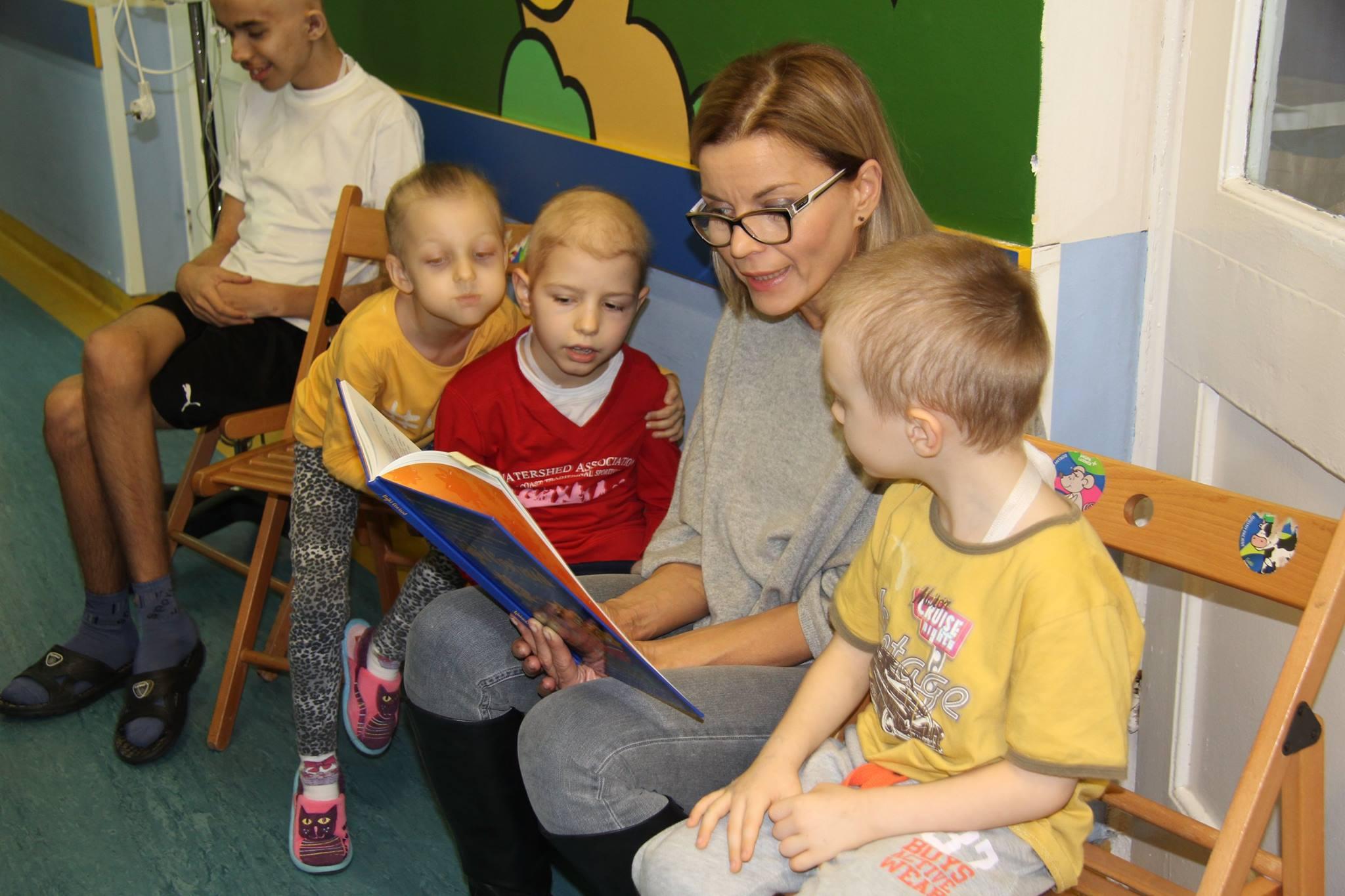 Bajkoterapia z Małgosią Foremniak w szpitalu na Litewskiej