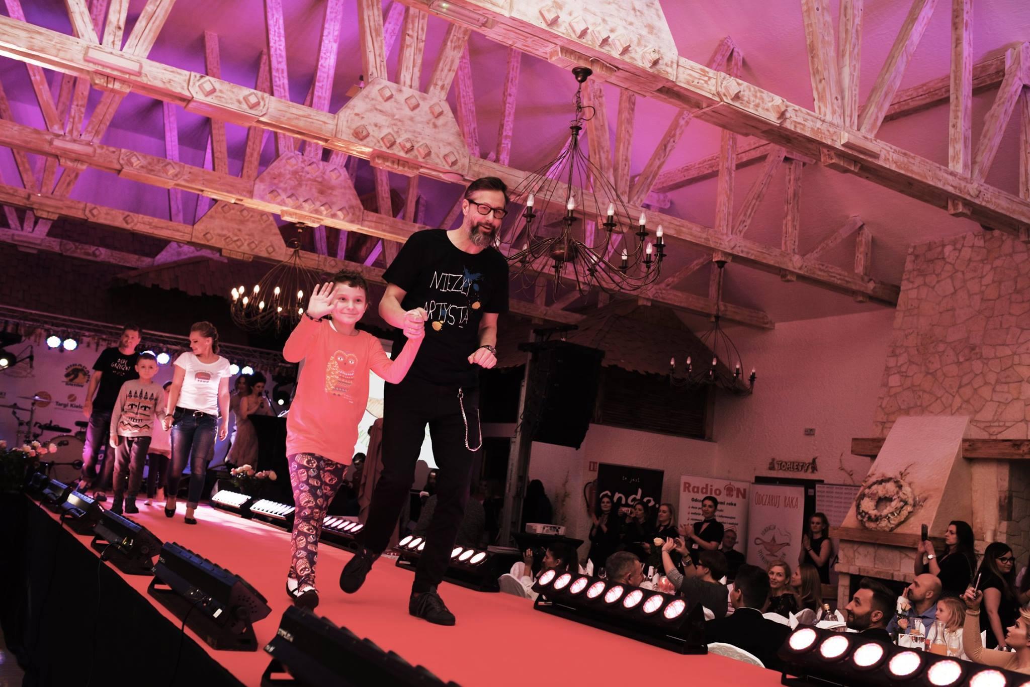 Karnawałowy Pokaz Mody Dzieci-Dzieciom w Bałtowie